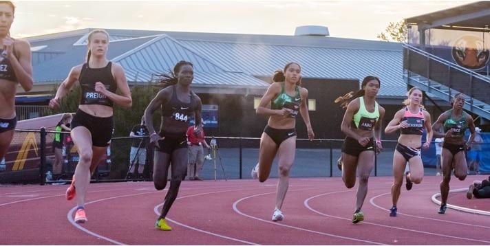 Nia Akins mid race