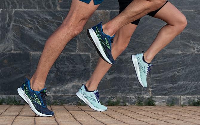 Due runner che corrono insieme