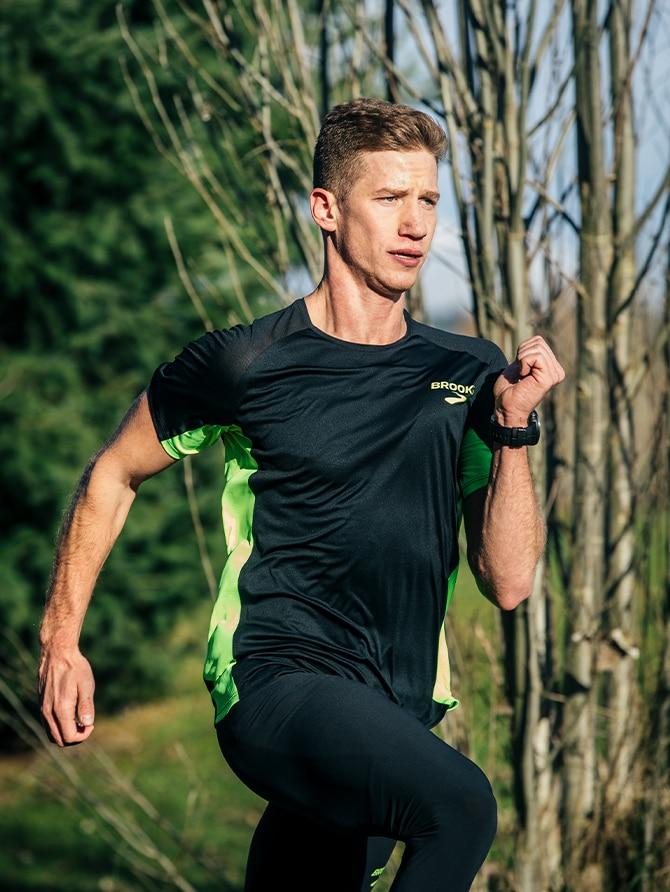 Brannon Kidder mid sprint.