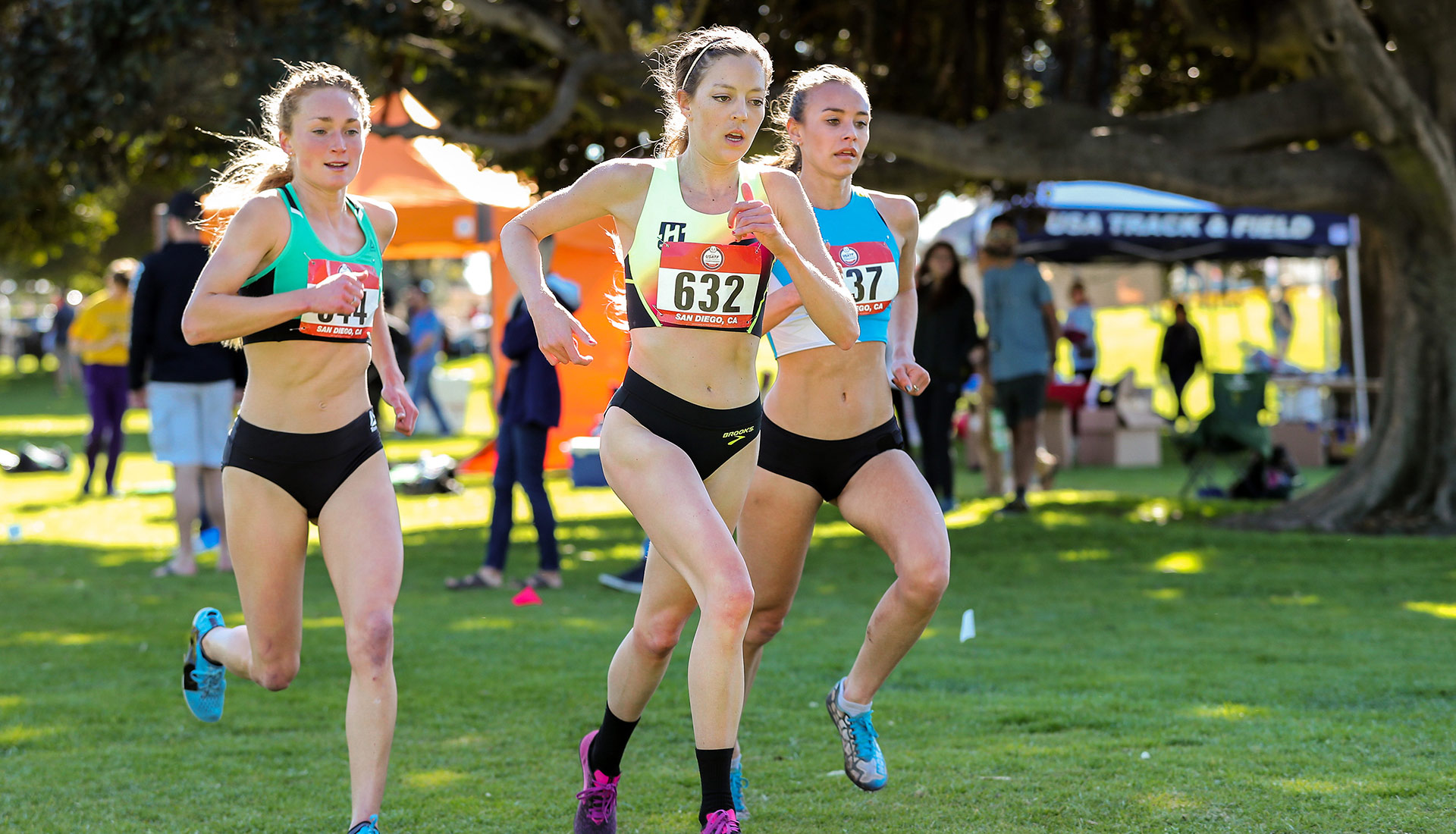 Brooks pro runner Natosha Rogers races at the USATF Club Cross-Country Championships.