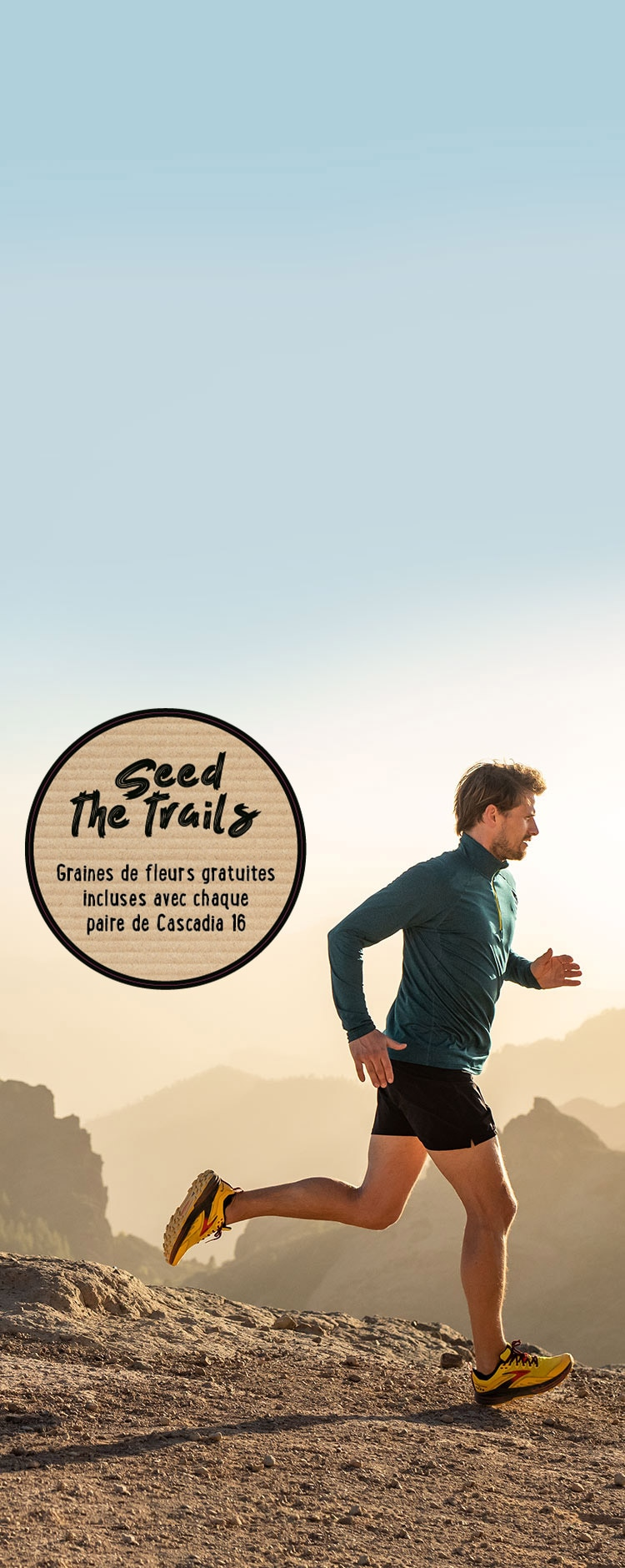 Un homme qui court sur un sentier