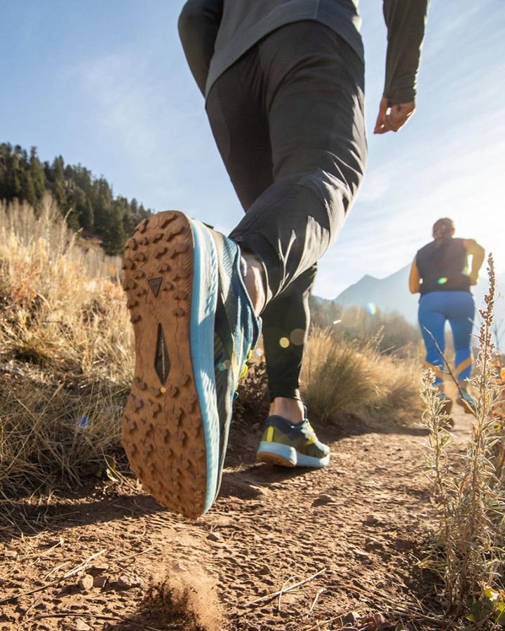 Läuferin beim Traillauf